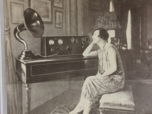 DIRETTA -Novelle Radiose – La radio e la candela